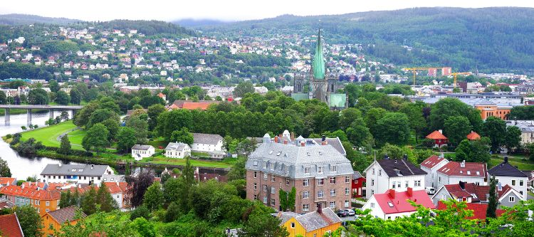 Trondheim: Panorama mit Nidarosdom