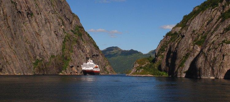 Hurtigruten: Trollfjord (Lofoten)